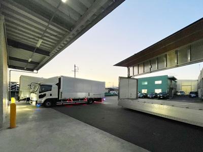 10台以上の自社トラックを取り揃え